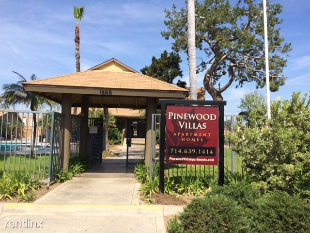 Front of the building - Pinewood Villas, Orange