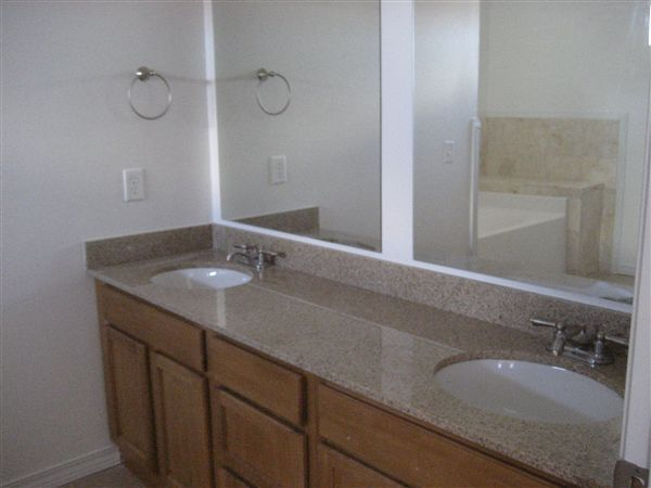Master BR - Dual Vanity in TH