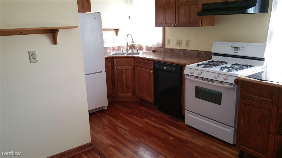 Townhouse for Rent in South Milwaukee