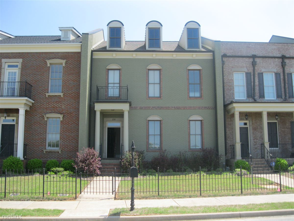Stratford Square Townhomes