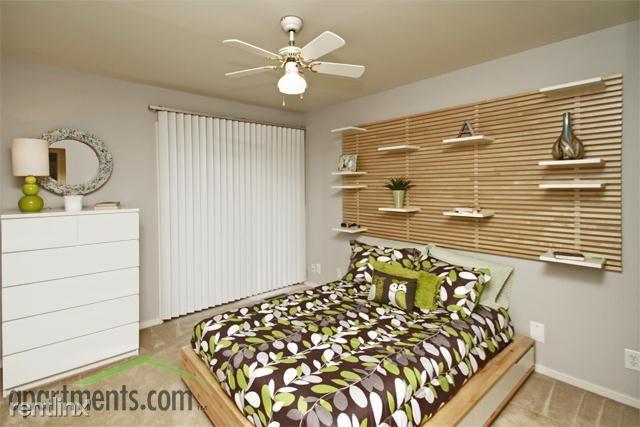 Grand Bend Club bedroom