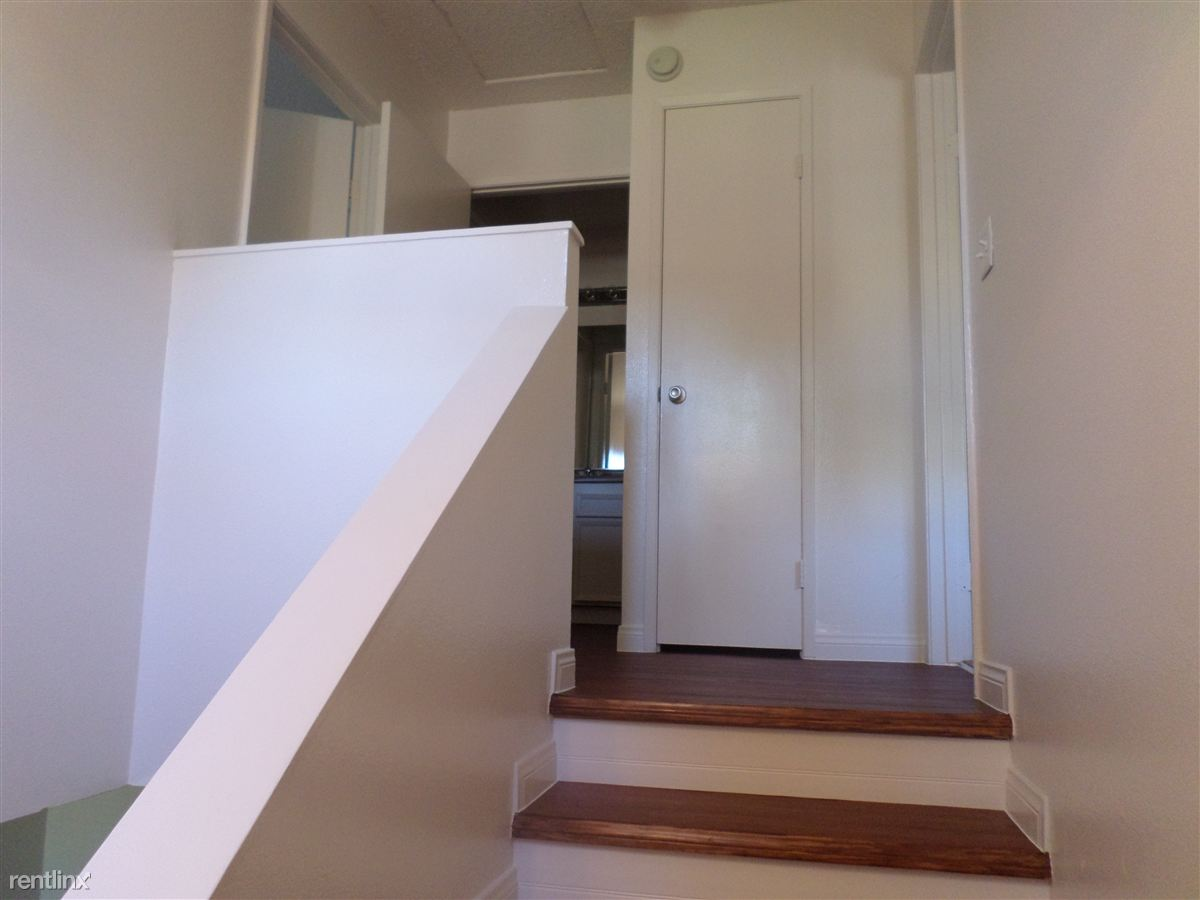 Stairway/Linen closet/ Bathroom /Bedrooms
