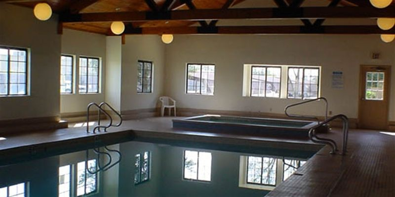 Edison Pointe Indoor Pool