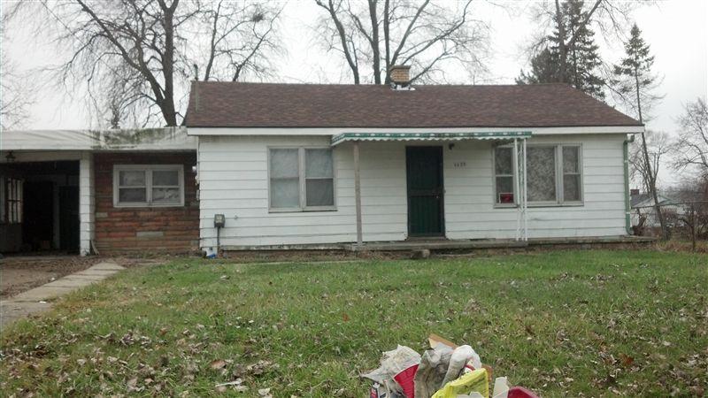 1175 W Coldwater Rd, Flint, MI 48505