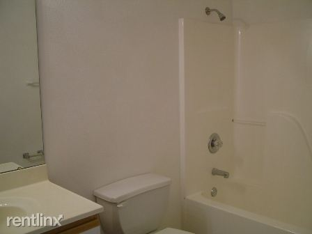 LSE-Hall Bath