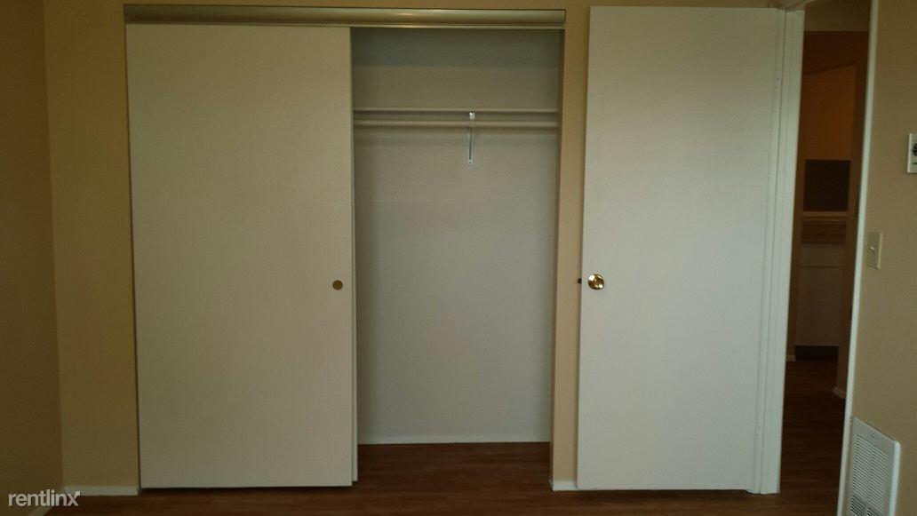 9. Master Bedroom Closet
