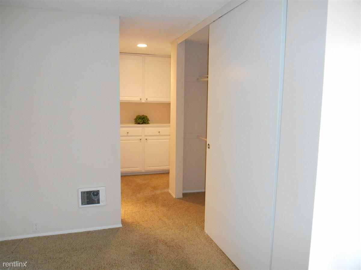 Extra long wardrobe closet and linen closet