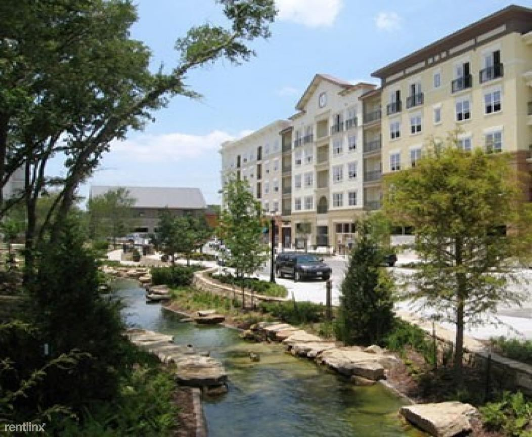 apartments near regency beauty institute-plano | college student