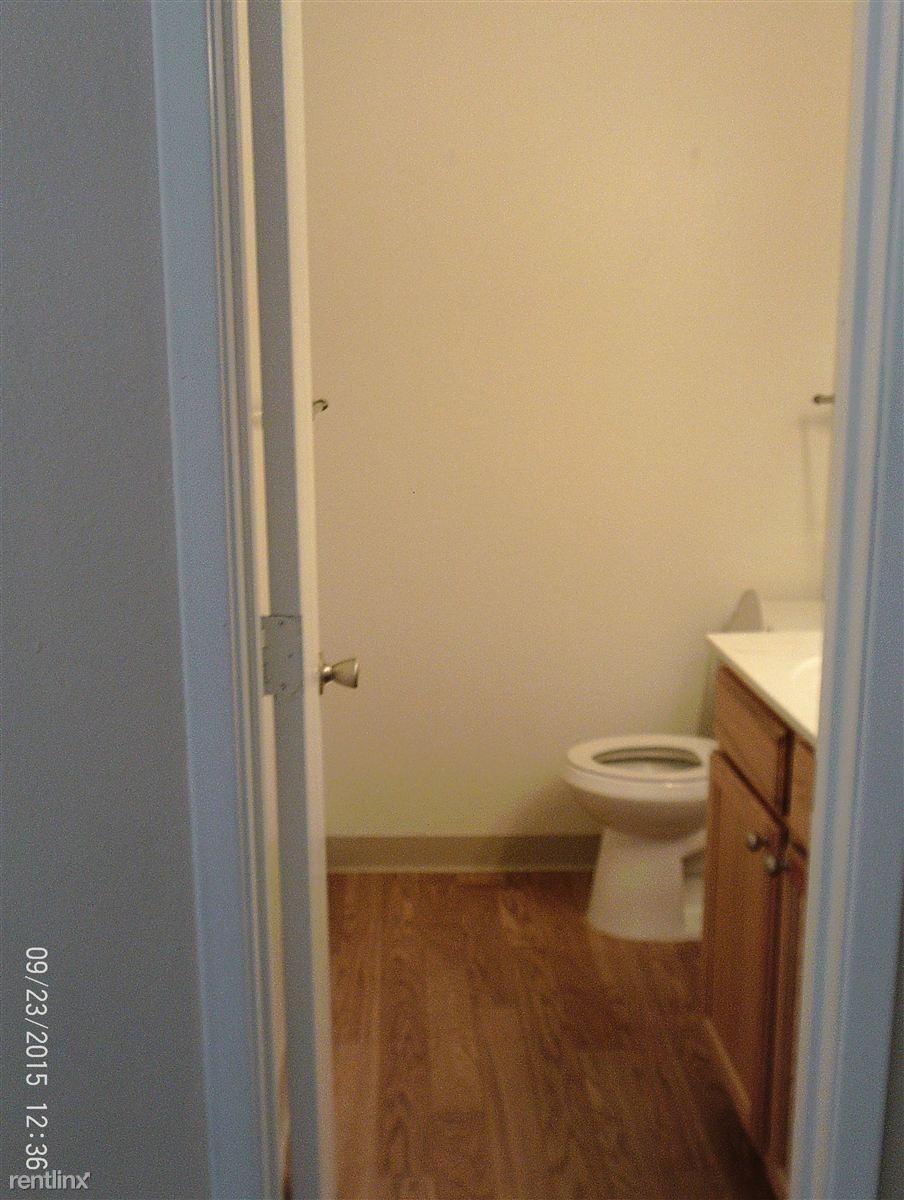 1/2 Bath Upstairs