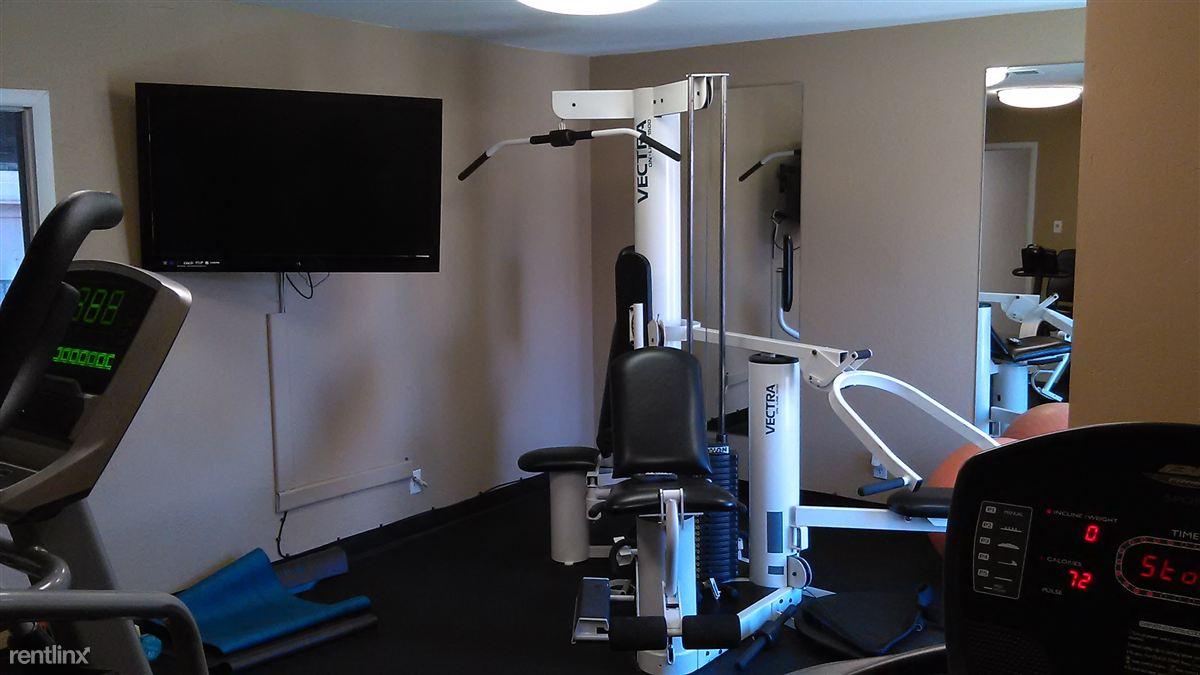 Fitness Center w/TV