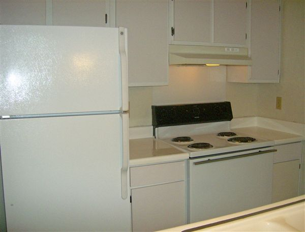Medium 1x1 Kitchen