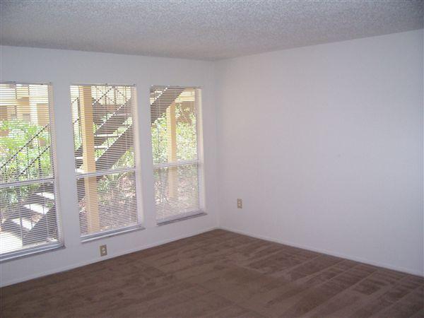 2x2- Living Room