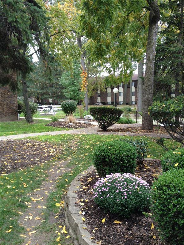 Cambridge Woods/ Briar Cliff Woods Apartments