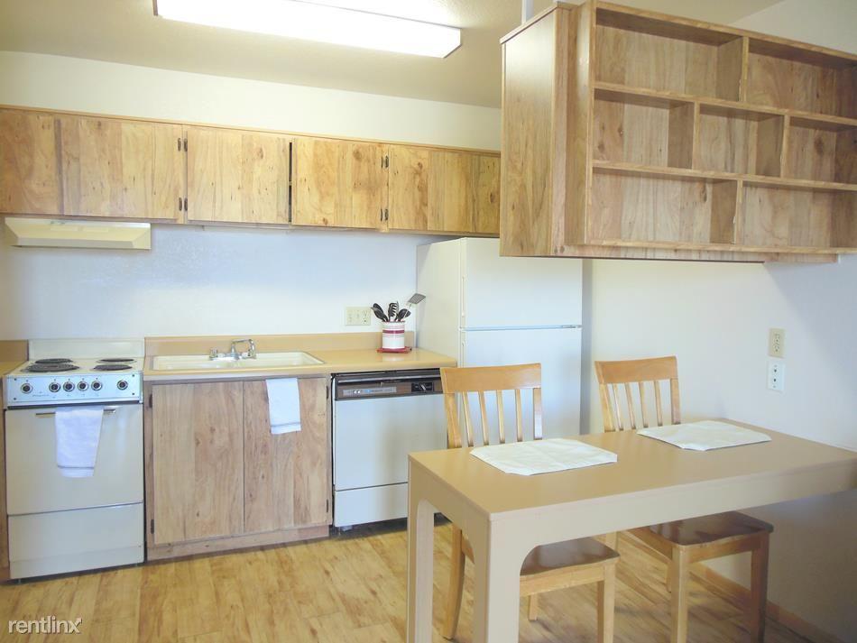 1x1 Kitchen With Built-In Breakfast Bar