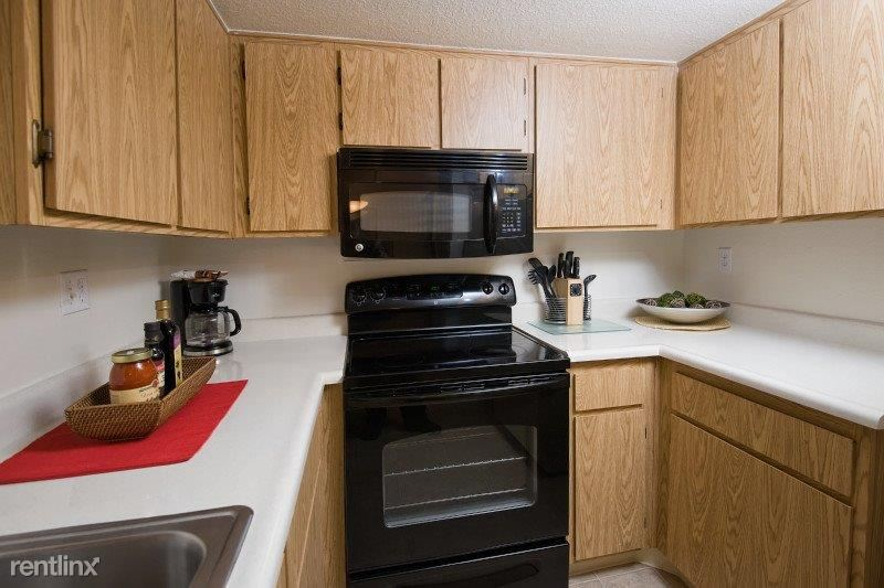 Kitchen (Other units have different kitchen layouts)