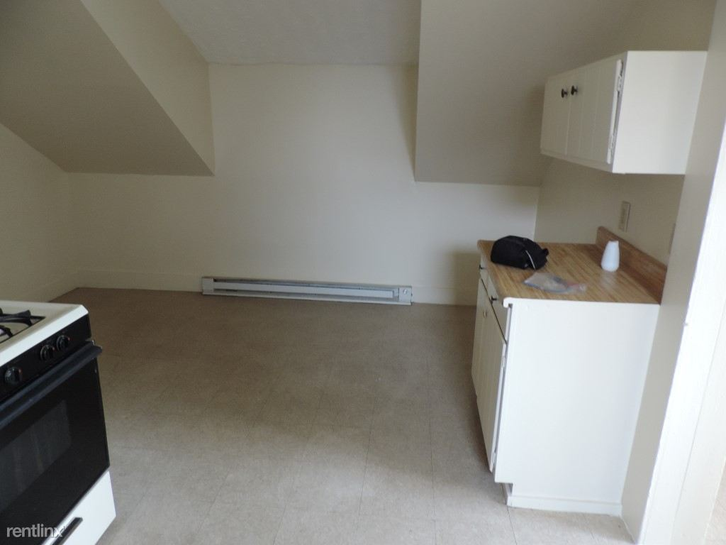 640 Howard Ave 3rd Floor move in condition Ready (17) (Medium)