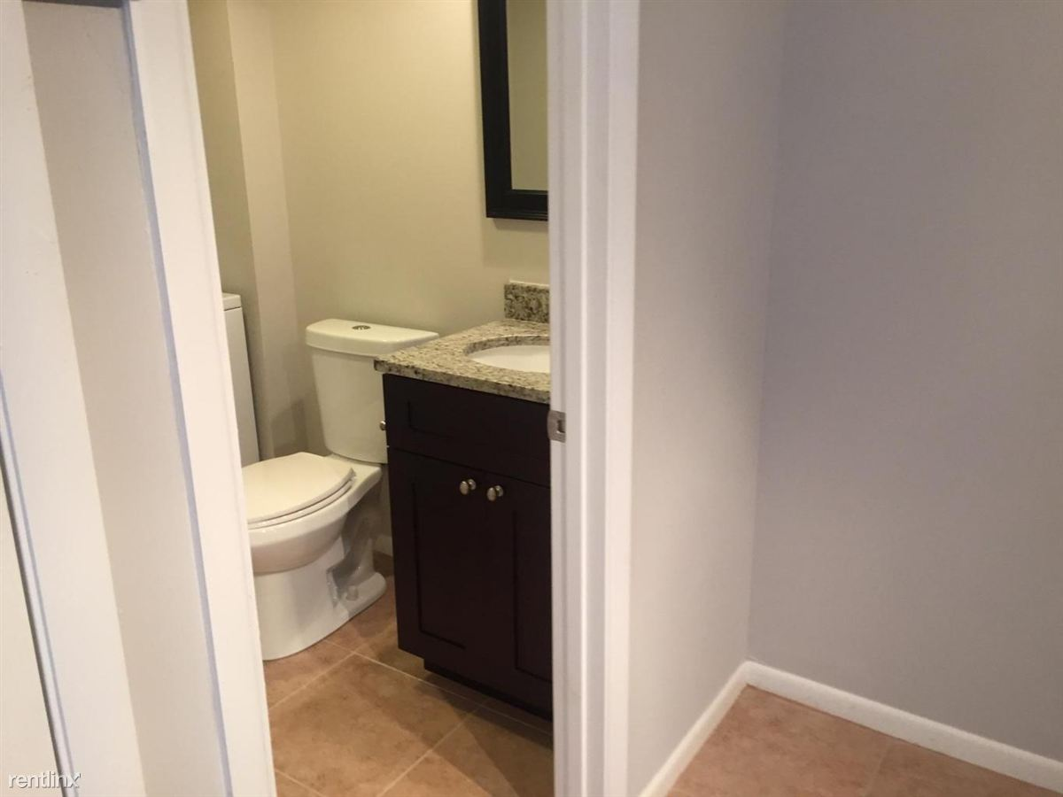 Glenwood-Half Bath-TheShattowGroup