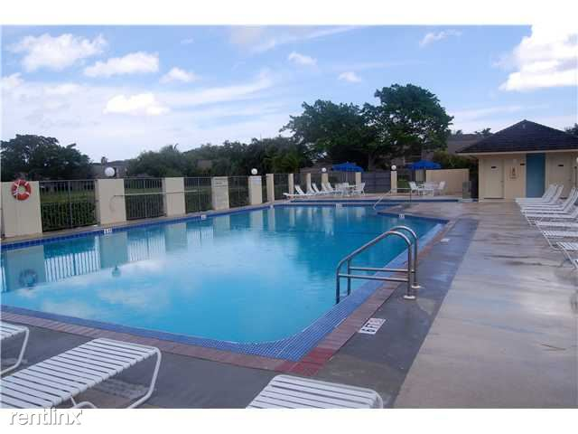 Glenwood-Pool-TheShattowGroup