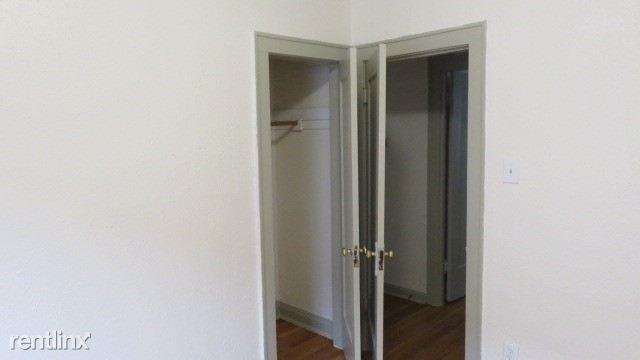 6725 2E 2nd bedroom
