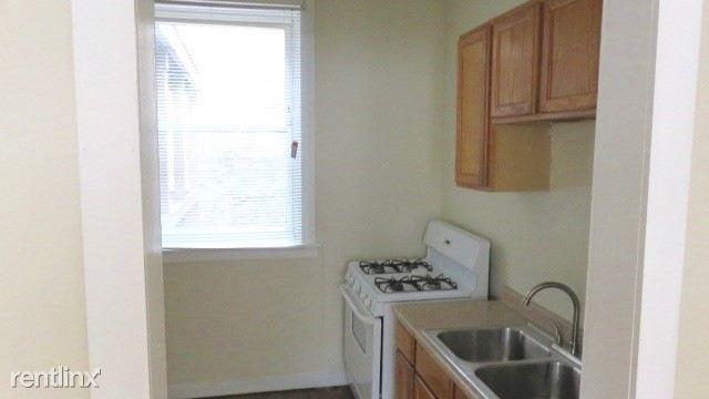 2122  #2 kitchen