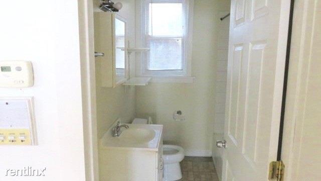 2122 #2 bathroom