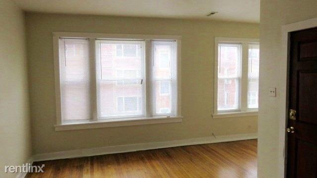2122 #2 living room 3