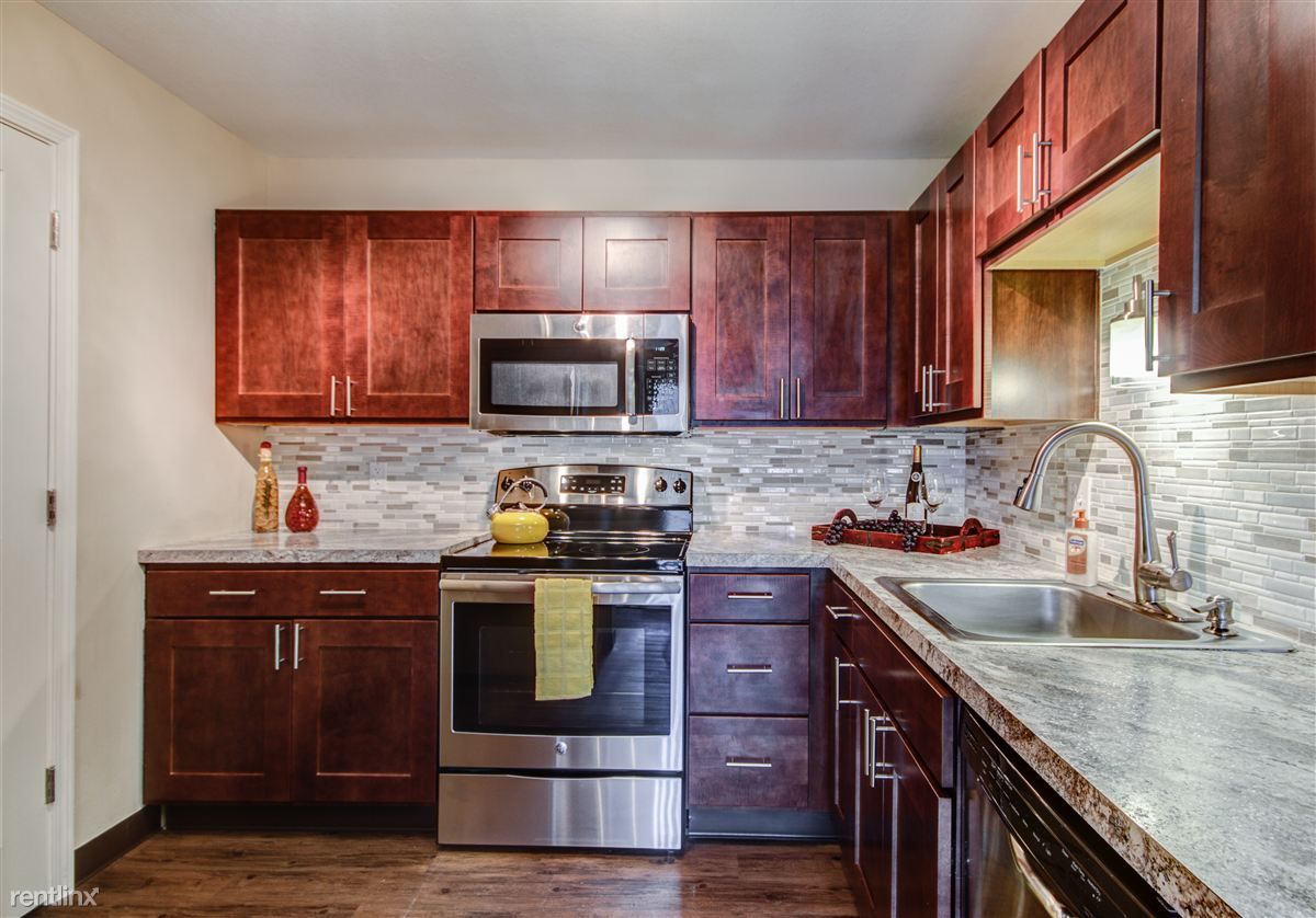 Cheap kitchen cabinets in grand rapids mi - The Fountains Apartments Grand Rapids See Pics Avail Kitchen Cabinets