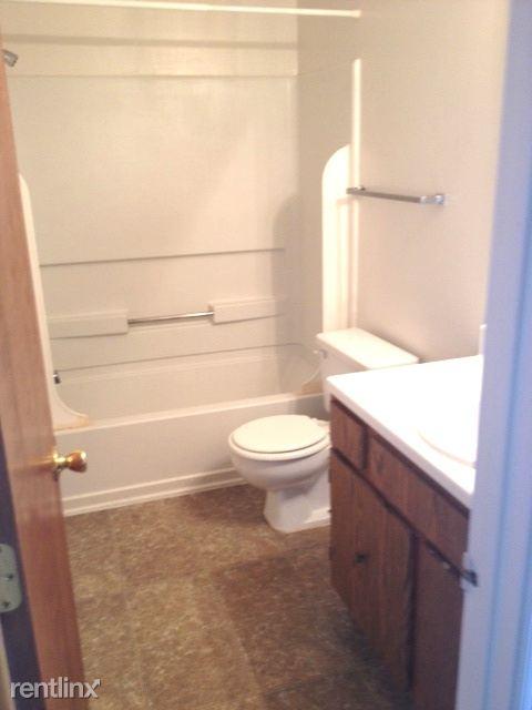 Lakeridge 1 bedroom 8