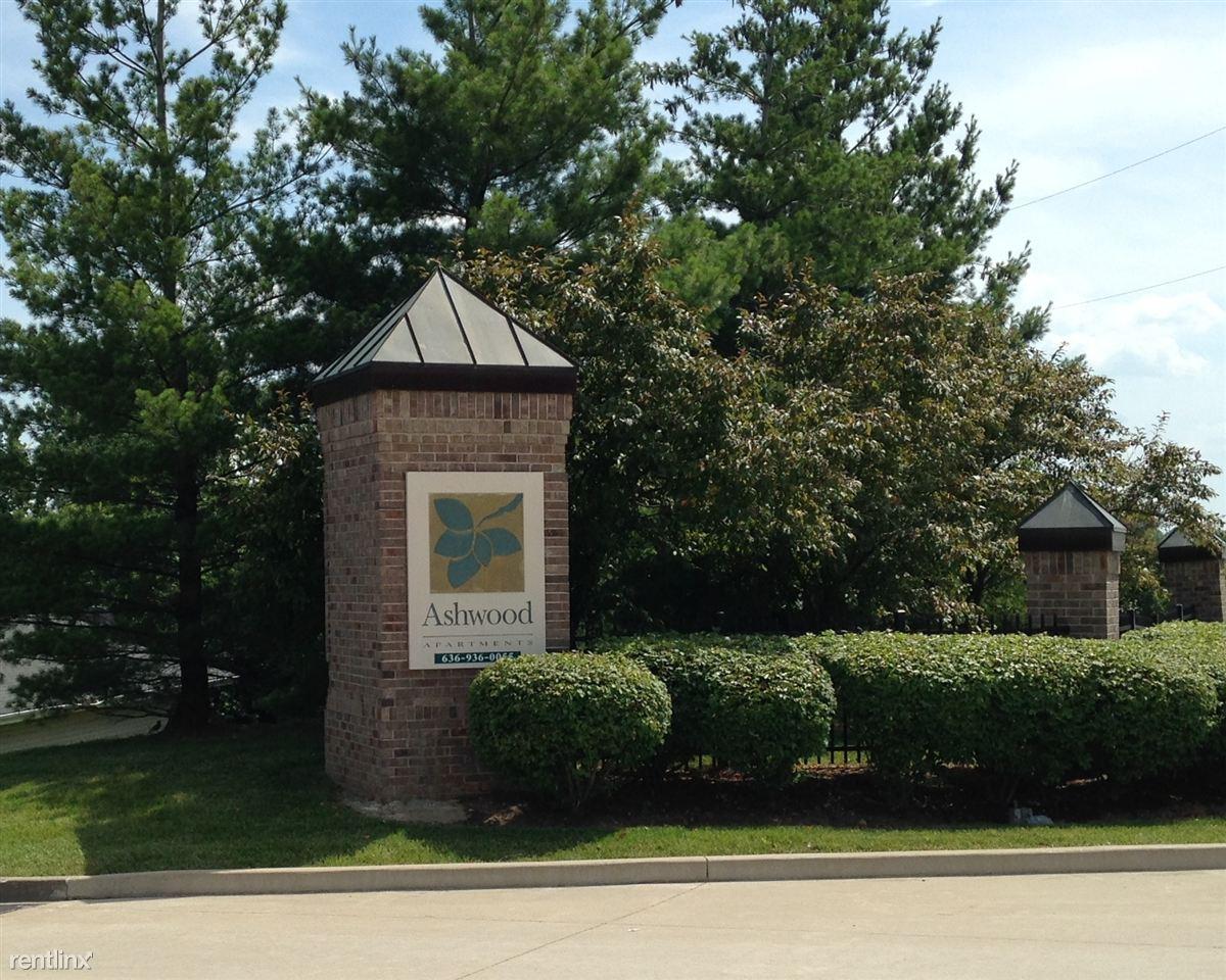 Ashwood Apartments Saint Charles Missouri Sign