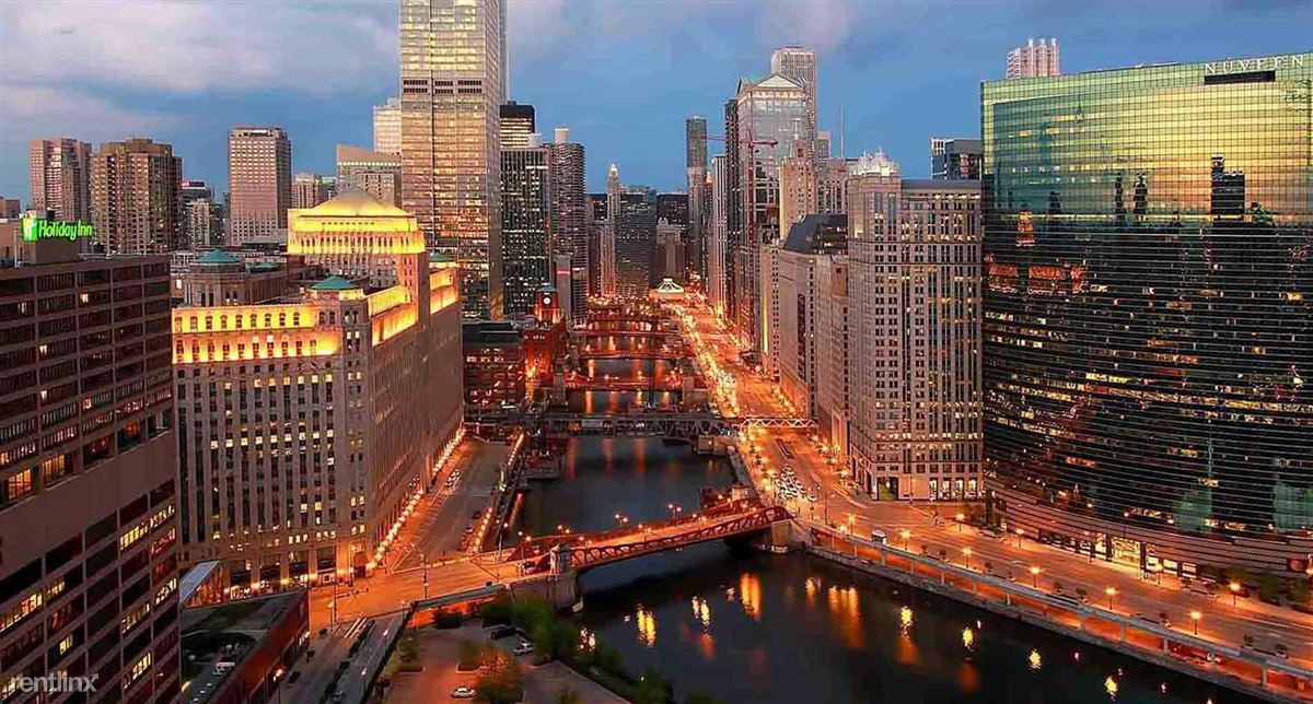 IL_CHICAGO_WolfPointWest_p0422596_12_12_1_PhotoGallery
