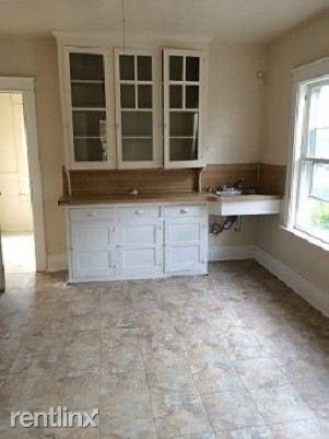 453-24th kitchen