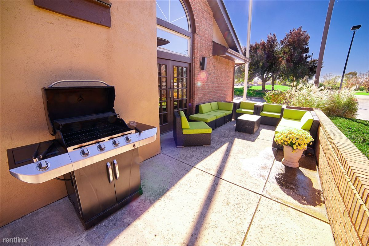Grill and Green Patio