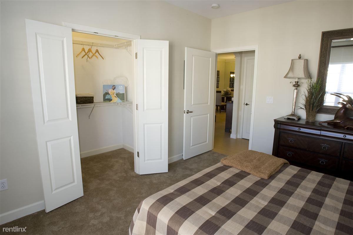 Guest Bedroom (2).BR
