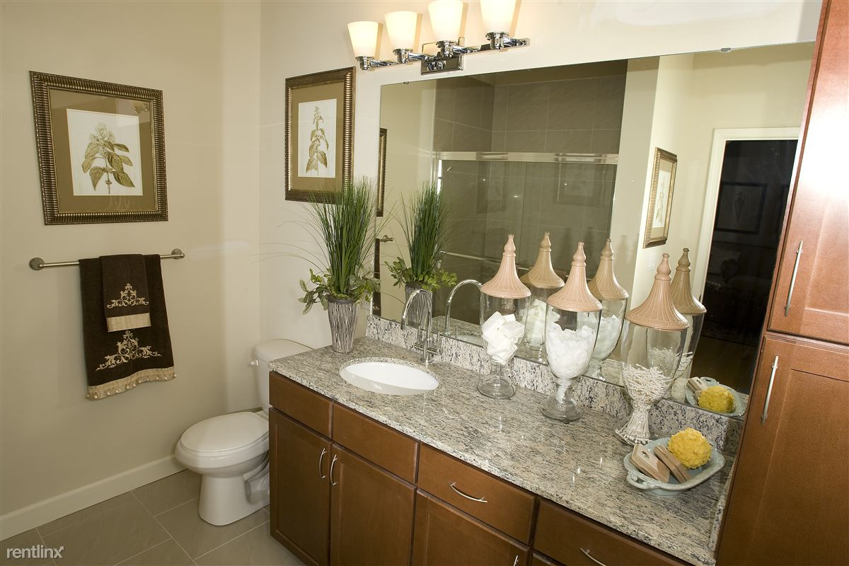 2nd Bathroom (2).BR