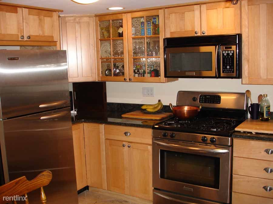 2306 17th Ave S- 2323 16th Ave S $750