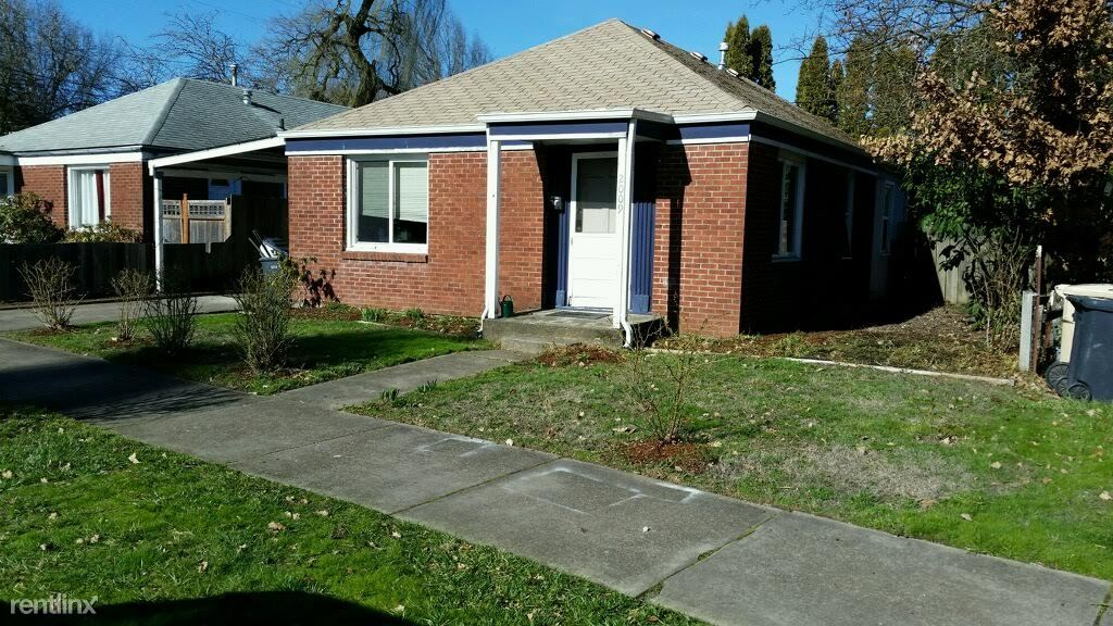 2009 NW Tyler Ave