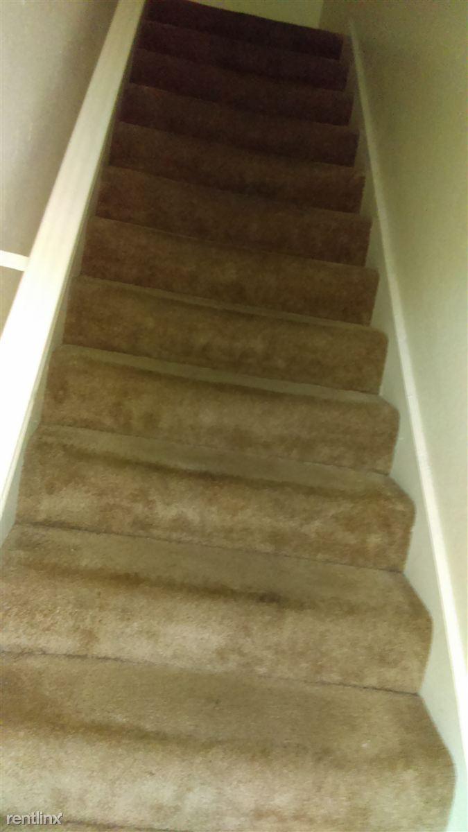 apt. 93 stairs