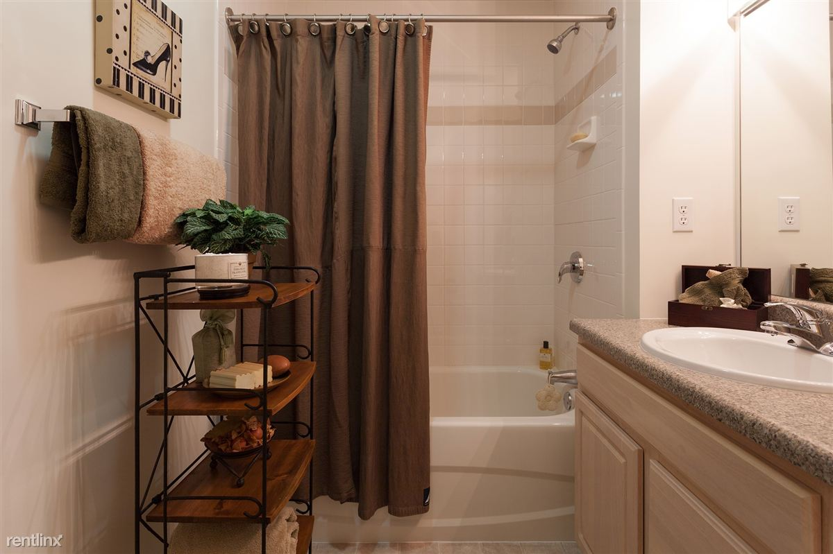 cl master bath 2