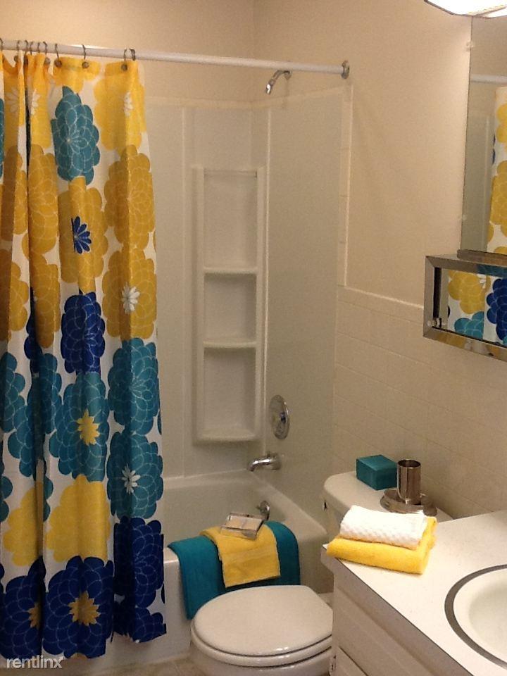 LIB 818 bath