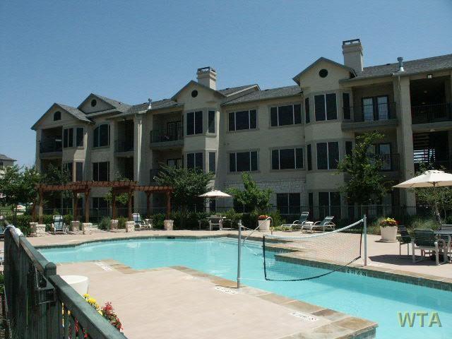 Austin 3 Bedroom Rental At 3400 Shoreline Dr Austin Tx 78728 Three Bedroom 1400 Apartable