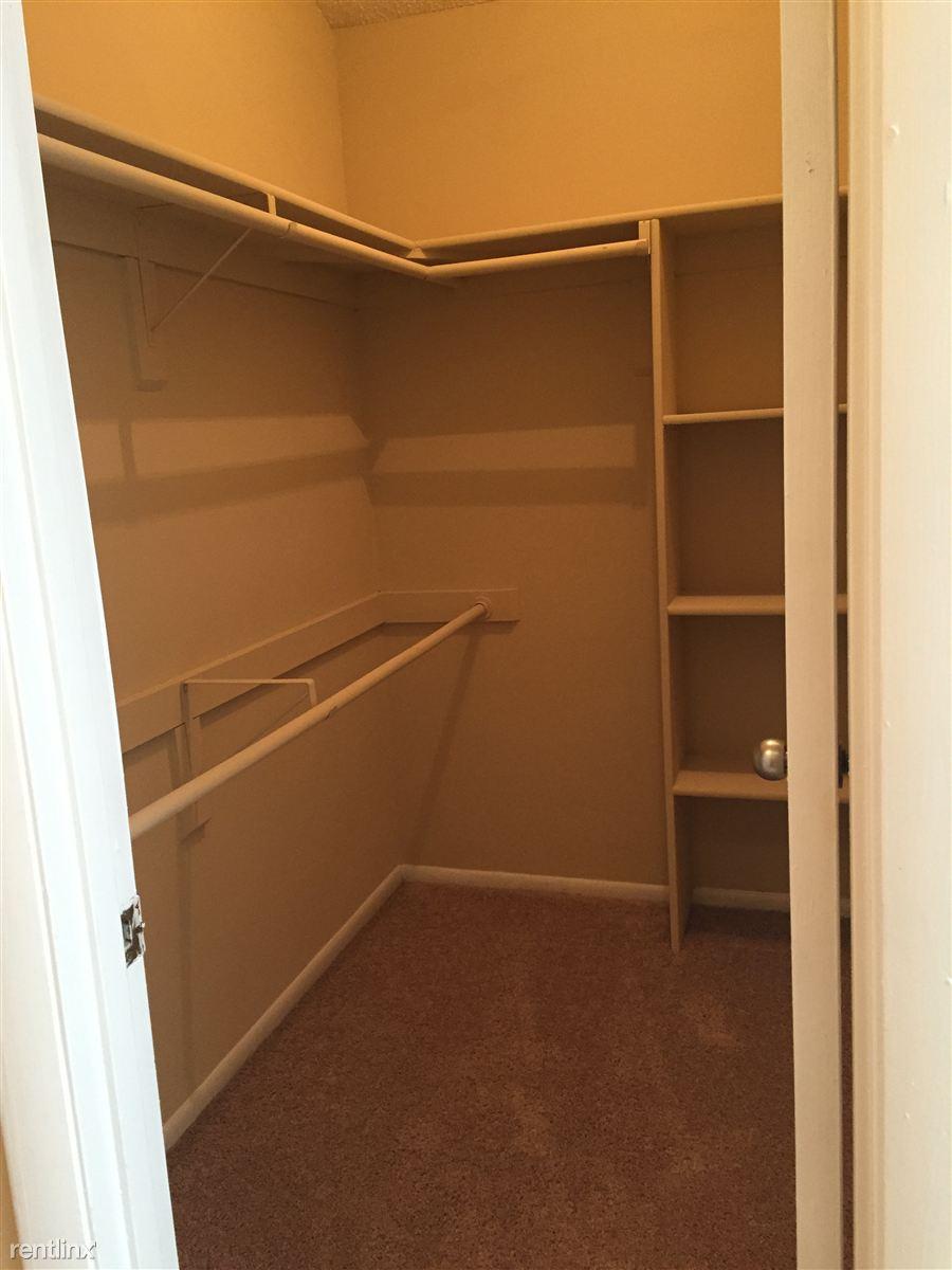 walk-in closet 9