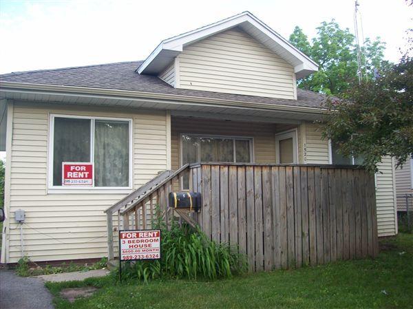1520 N Oakley St, Saginaw, MI 48602