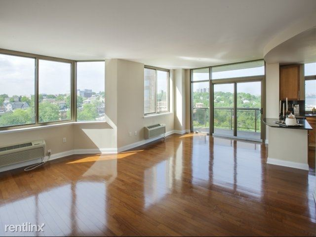 House for Rent in Edgewater