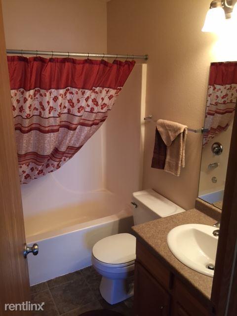 FV 3bd 2 bt-bathroom 1