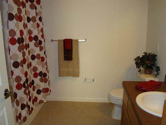 Avalon Park Bathroom