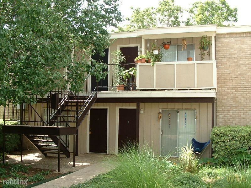 Brentwood 1 Bedroom Rental At 1507 Houston St Austin Tx 78756 One Bedroom 980 Apartable