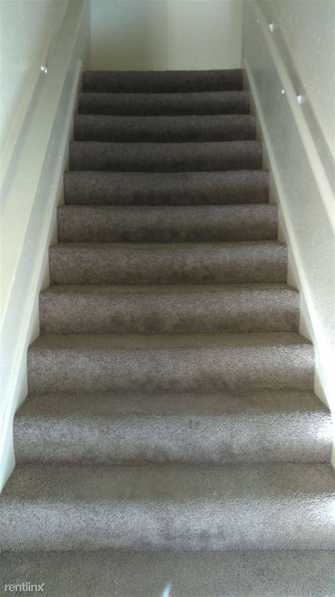 apt. 81 stairs