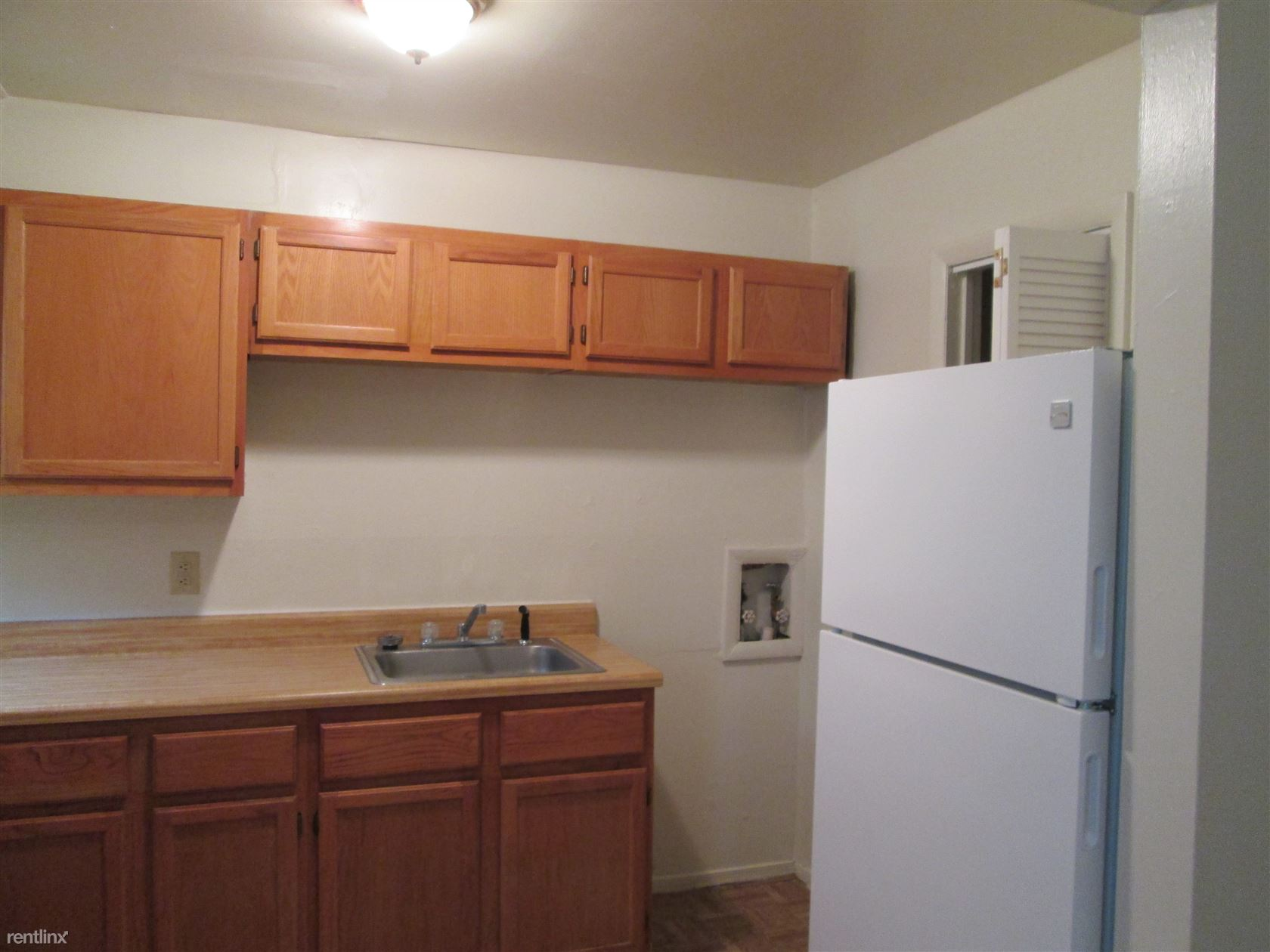 Kitchen with Washer hook-up