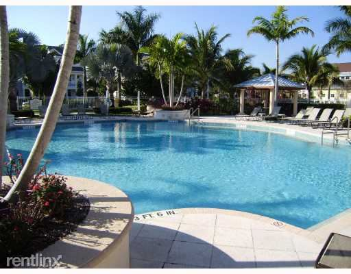Abacoa-Somerset-Community-Pool-TheShattowGroup