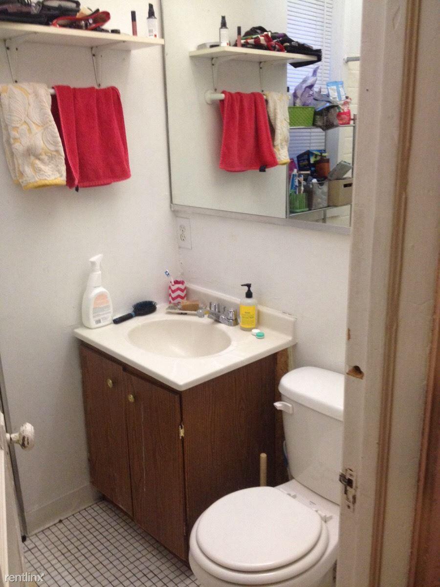 821 #1R Bath Furn